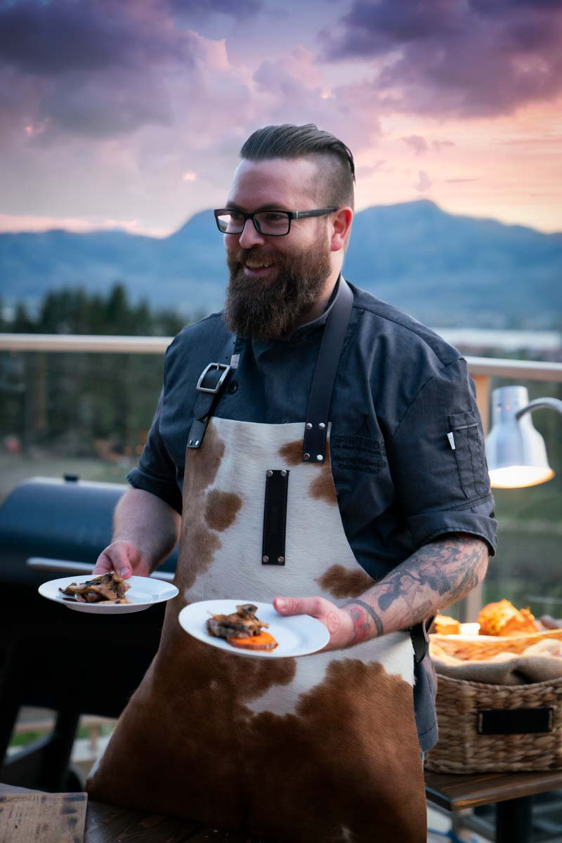 http://spatulamedia.ca/wp-content/uploads/2019/05/Chef-Murray-McDonald-at-oyster-festival.jpg
