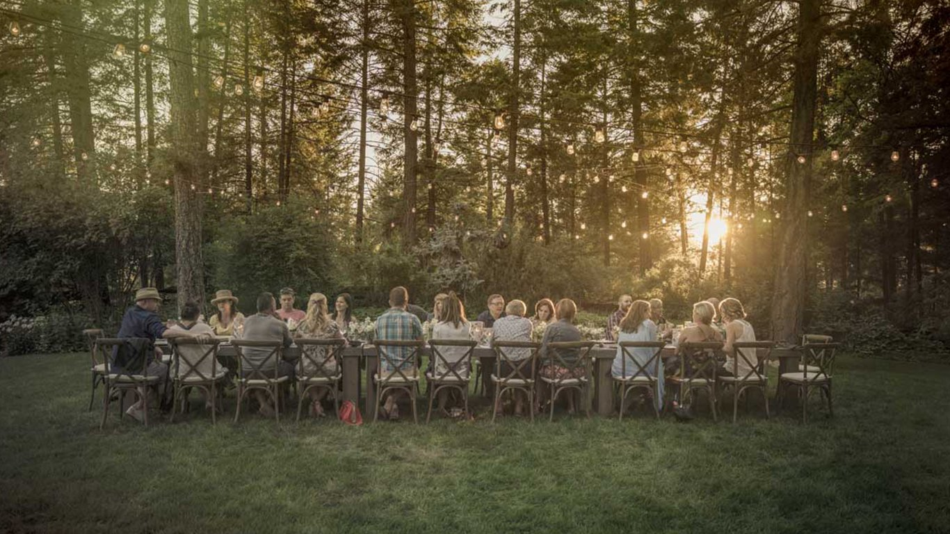 http://spatulamedia.ca/wp-content/uploads/2019/05/caldwell-heritage-farms-dinner.jpg