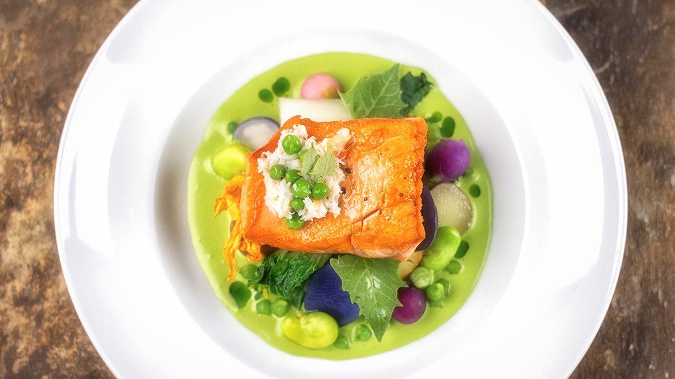 http://spatulamedia.ca/wp-content/uploads/2019/05/raudz-salmon-plate.jpg