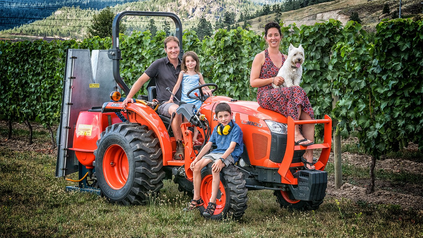 http://spatulamedia.ca/wp-content/uploads/2019/05/roche-winery-family-on-the-tractor.jpg