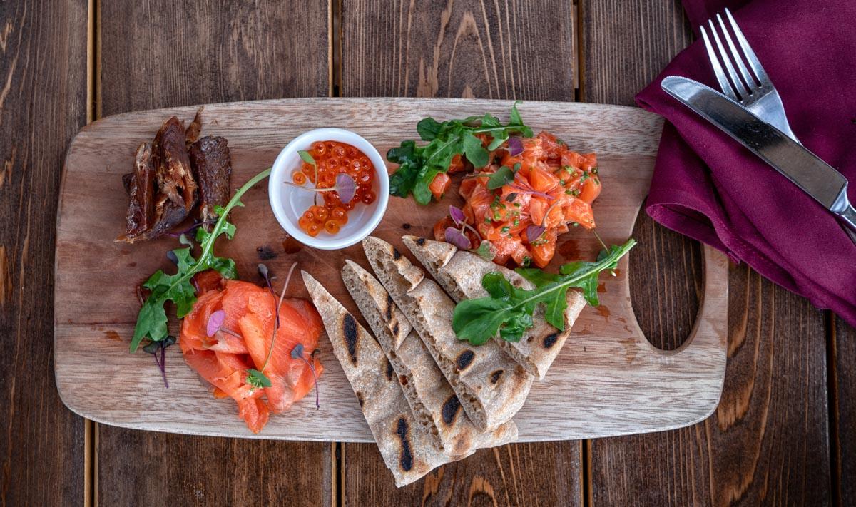 http://spatulamedia.ca/wp-content/uploads/2019/05/salmon-dish-web-size.jpg