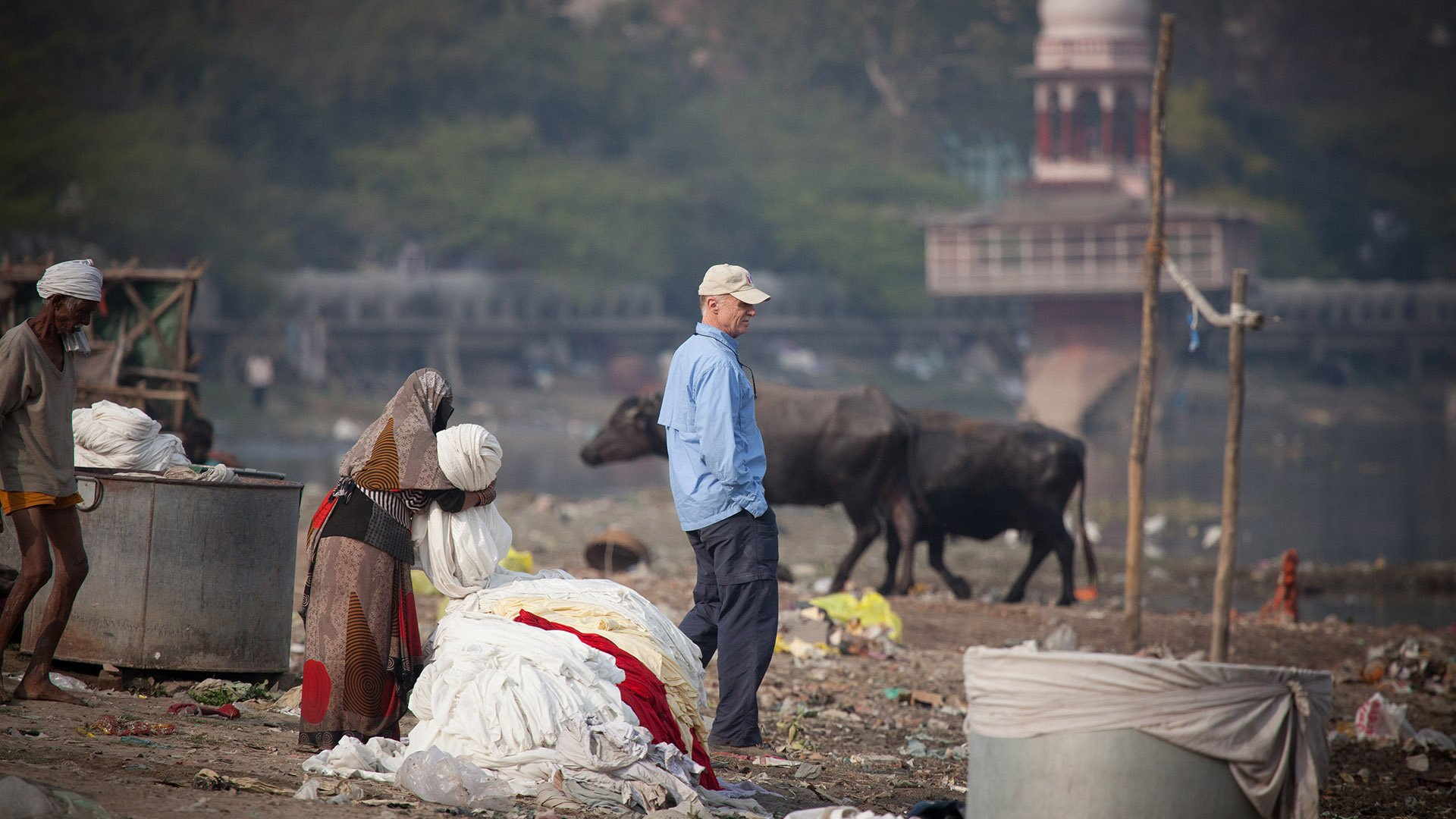 https://spatulamedia.ca/wp-content/uploads/2019/05/mark-at-the-river-in-India.jpg